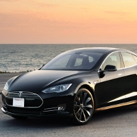 Tesla cho phép tất cả mọi người được dùng bằng sáng chế xe điện