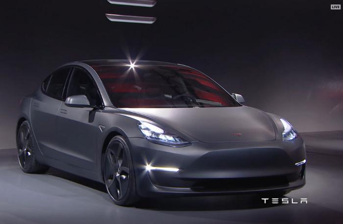 Tesla Model 3 chính thức, đi được 346km/1 lần sạc, giá 35.000$