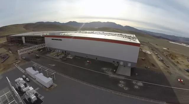 Khi Tesla đã hoàn thiện phần ngoại thất của nhà máy, họ sẽ bắt đầu bắt tay vào thiết kế không gian nội thất.