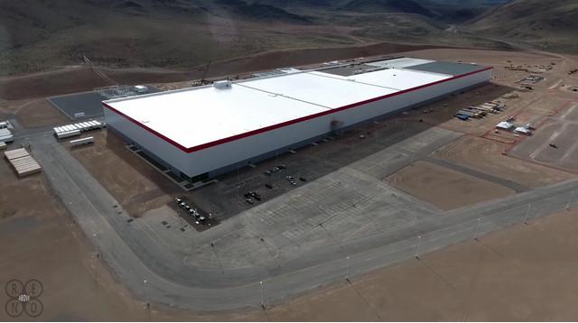 Tesla đã phải bỏ ra khoảng 4.5 triệu USD để xây dựng giai đoạn đầu tiên của nhà máy này.