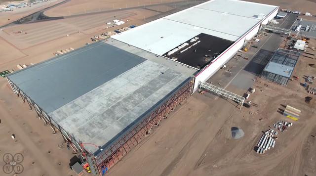 Nhiều khu vực khác của nhà máy vẫn đang trong quá trình thi công.