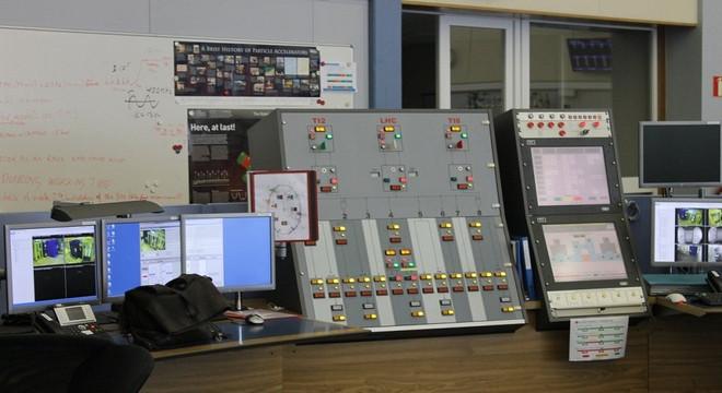 Bảng điều khiển này là một trong những thiết bị quan trọng nhất tại đây.