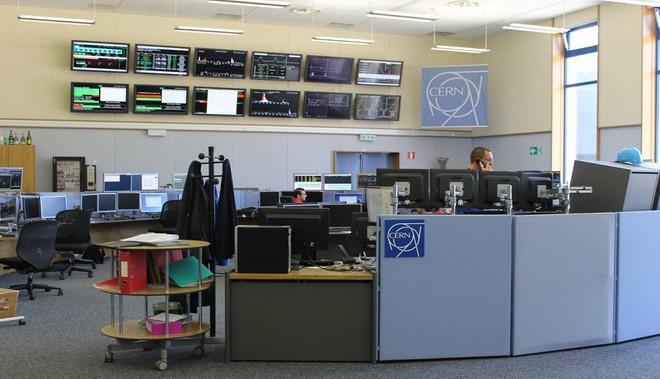 Trái với suy nghĩ của nhiều người, trung tâm điều khiển là nơi khá yên tĩnh, không đông người.
