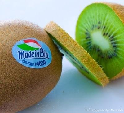 Mã code trên quả kiwi nhập khẩu này nghĩa là gì?