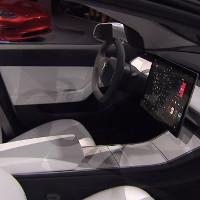 """Elon Musk: """"Model 3 sẽ có hệ thống điều khiển giống như tàu vũ trụ tương lai"""""""