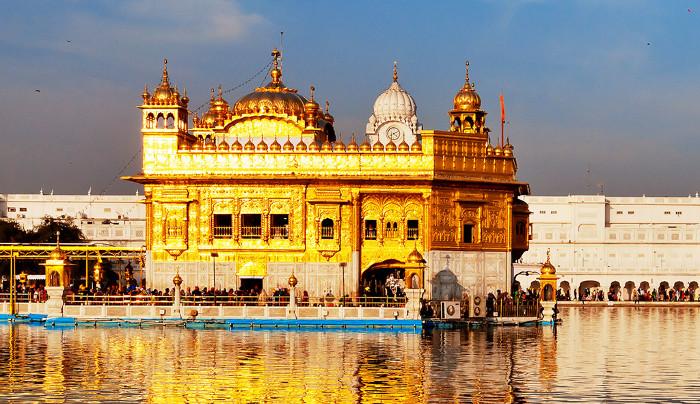 Đền Vàng ở Amritsar, Ấn Độ.