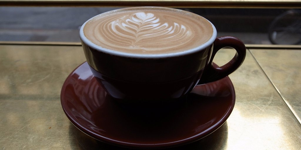 Tránh xa cà phê và đồ uống có cồn