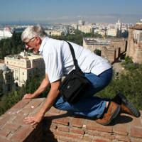 Tại sao người già hay mắc chứng sợ độ cao?