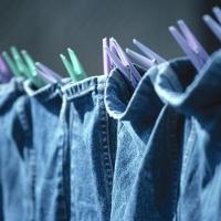 Mẹo vặt thú vị giúp quần jean giữ được kiểu dáng và màu sắc ban đầu