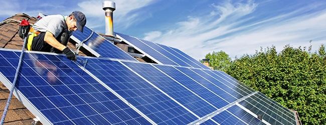 Loại bỏ tất cả các vật cản ngăn chặn ánh sáng mặt trời chiếu tới các tấm pin mặt trời.