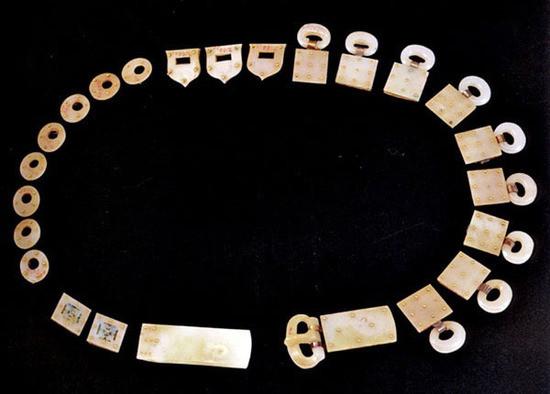 Các vành đai ngọc, được khai quật từ Tây An, tỉnh Thiểm Tây.