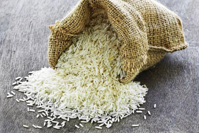 Gạo giả còn được bổ sung polime để tăng độ cứng cho giống gạo thật.