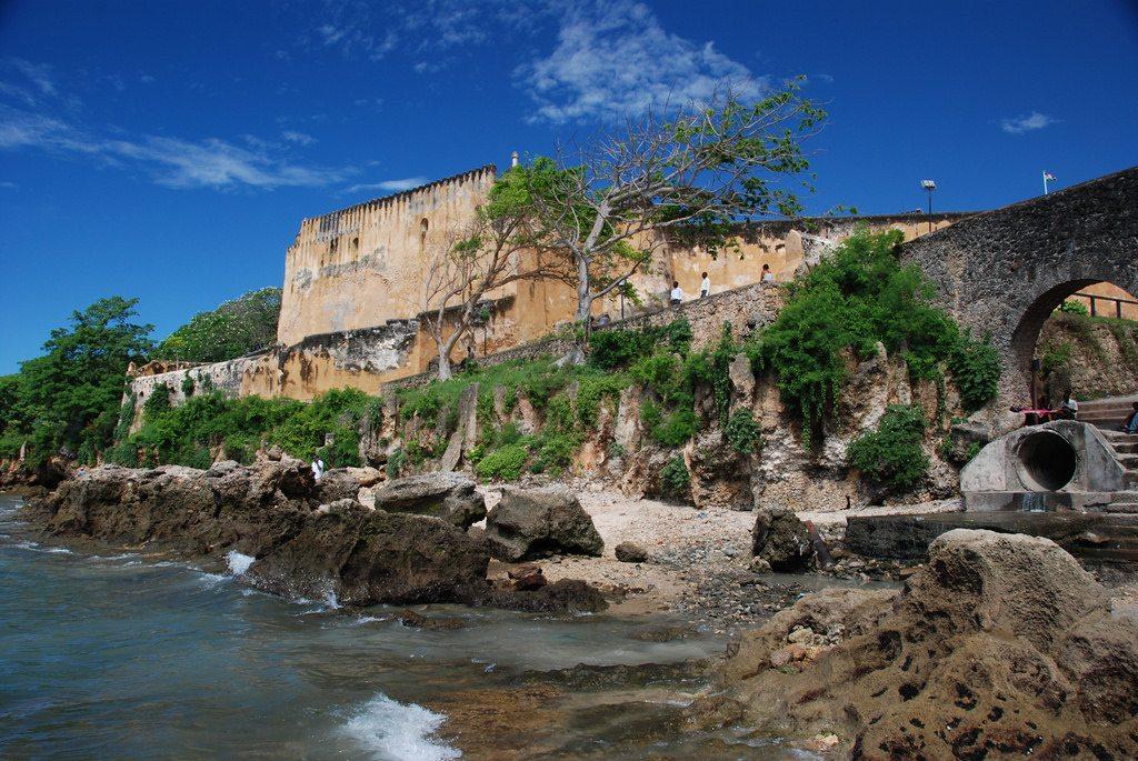 Được xây dựng trên một phần của đảo đá san hô, Pháo đài Jesus ngoài kiến trúc đẹp và ấn tượng còn có hệ thống phòng thủ vô cùng vững chắc.