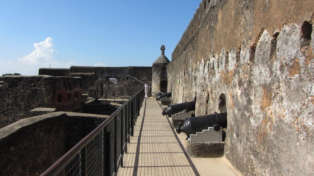 Jesus đã qua thời kỳ vàng song nhưng những dấu ấn một thời huy hoàng vẫn còn in đập trên từng bức tường, con phố.