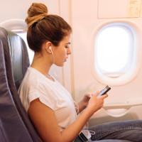 """Điều gì xảy ra nếu điện thoại không chuyển """"airplane mode"""" khi bay?"""