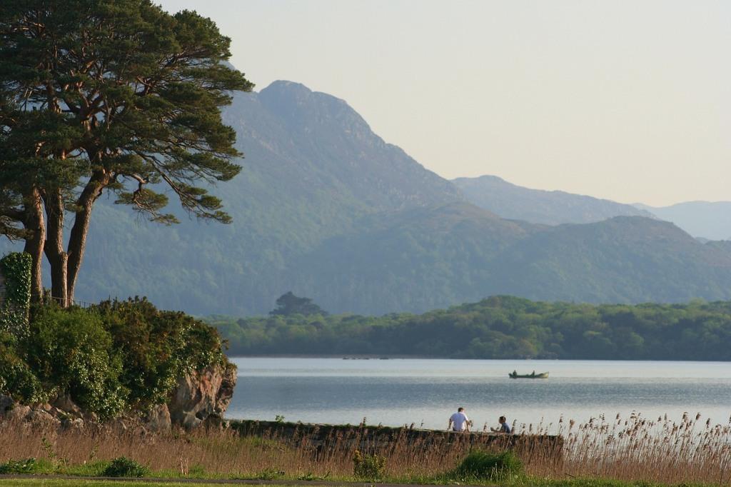 Vẻ đẹp hữu tình của một hồ nước ở Ireland.