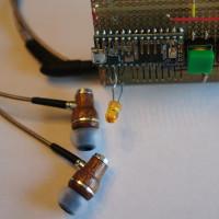 Học sinh trung học phát minh thiết bị trợ thính giá rẻ