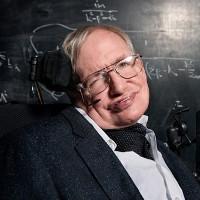 Cách đưa chúng ta đi tới hệ sao khác cách Trái Đất 40.000 tỷ kilomet của Stephen Hawking