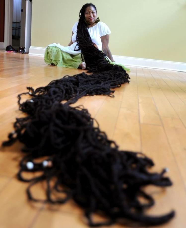 Mái tóc dài nhất thế giới với chiều dài 17m.