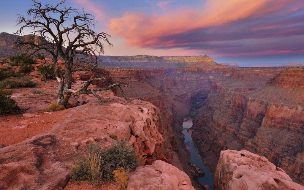 Chèo thuyền qua vùng biển tuyệt đẹp Grand Canyon của Arizona, Mỹ