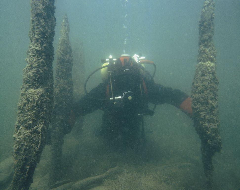 Nhiều địa điểm nhà Pile đã bị hư hỏng chỉ còn lại phần chân đế và cọc chìm trong nước biển. Công tác bảo tồn và giữ gìn những địa điểm này vô cùng khó khăn và mất nhiều công sức, tiền bạc.