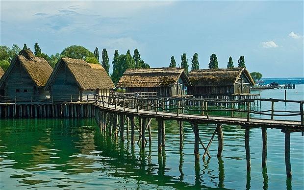 Nhà ở Pile thời tiền sử xung quanh dãy núi Alpes của nước Áo là minh chứng quan trọng về xã hội tiền sử.