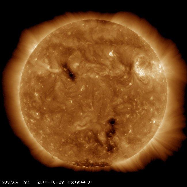 Hình ảnh Mặt Trời chụp hôm 13/4, sau 4,5 tỷ năm cháy sáng liên tục.