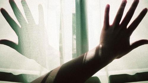 Ở một thời điểm nhất định vào ban đêm, người mắc chứng FFI có thể bước vào trạng thái hôn mê mất nhận thức