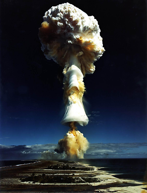 Hòn đảo cũng là nơi diễn ra vụ nổ hạt nhân đầu tiên trên thế giới