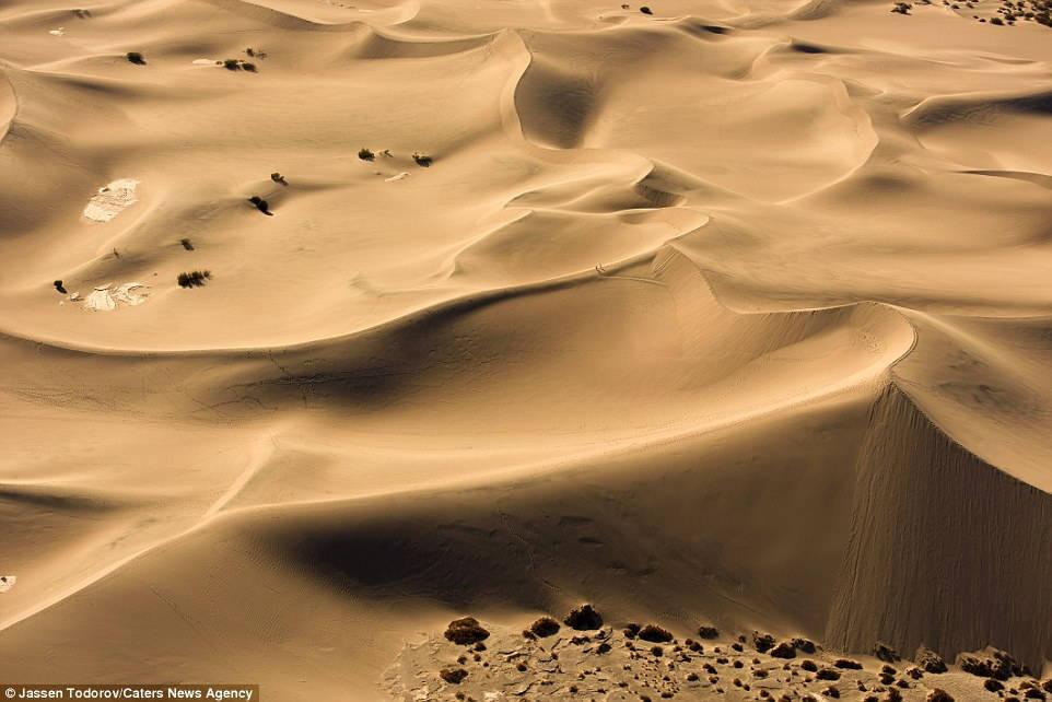"""Những đụn cát ở thung lũng Chết từng được sử dụng làm bối cảnh trong """"Chiến tranh giữa các vì sao"""""""