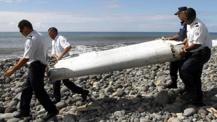 Cánh của MH370 được tìm thấy trên đảo Reunion, tây Ấn Độ Dương.