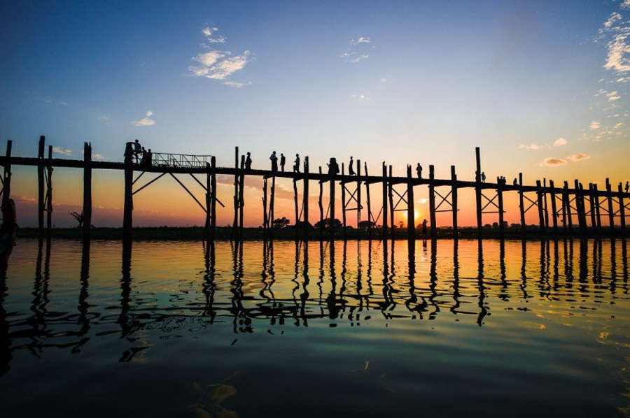 Cây cầu U Bein đẹp nhất vào những buổi chiều tà