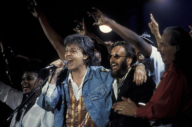 Paul McCartney và Ringo Starr, hai thành viên ban nhạc huyền thoại The Beatles.