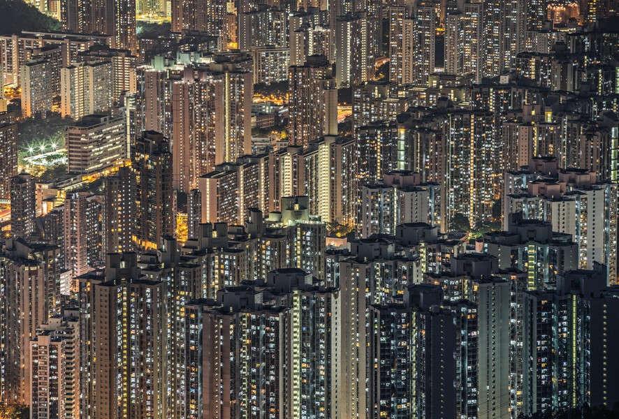 Kiến trúc ấn tượng của Hong Kong (Trung Quốc), với những tòa nhà cao ốc chọc trời. khiến người xem không khỏi choáng ngợp.