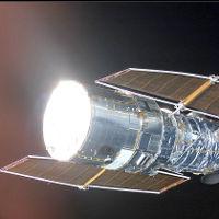 Ngày 25/4/1990: Kính viễn vọng không gian Hubble đi vào hoạt động