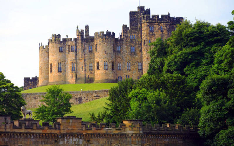 Lâu đài Alnwick Castle ở Vương quốc Anh.