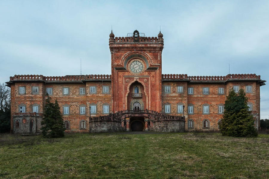 Lâu đài Castello di Sammezzano ở Italy, được xây dựng vào thế kỷ 17.