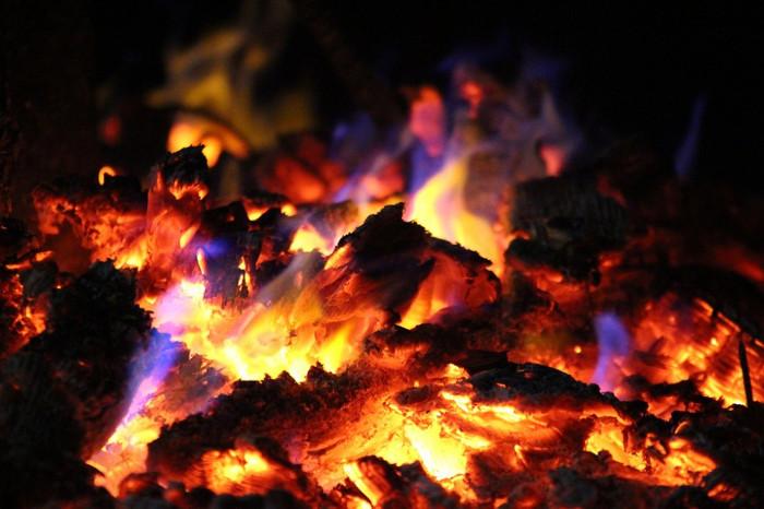 ClF3 có thể đốt cháy những vật liệu mà bình thưởng không thể cháy như gạch, a-miăng...