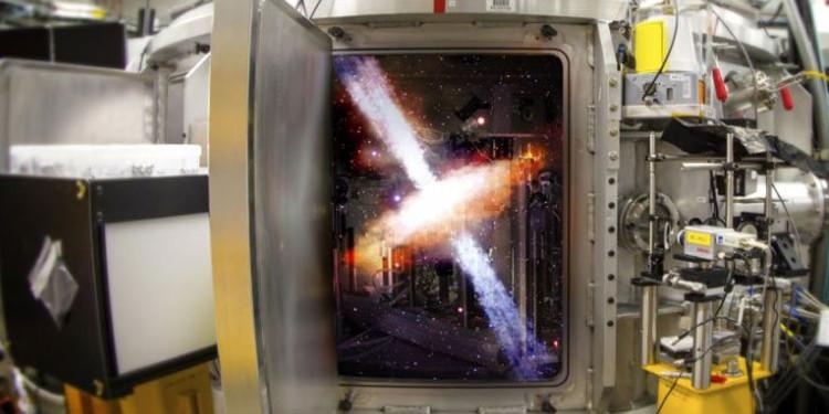Vũ trụ thu nhỏ trong phòng thí nghiệm.