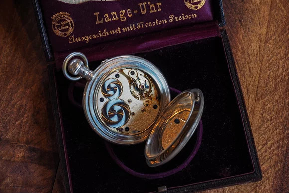 Đồng hồ bỏ túi của Lange & Söhne.