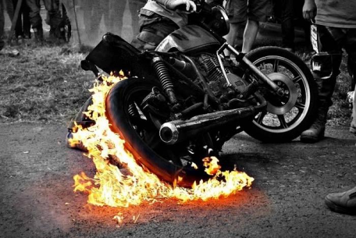 Nguyênnhân khiến xe máy bốc cháy1