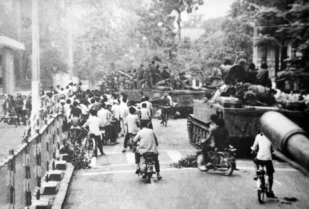 Đánh chiếm cầu Thị Nghè sáng 30/4/1975.