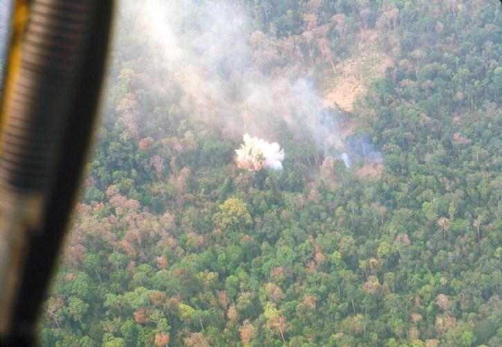 Một vụ oanh tạc của không quân Mỹ tại một khu rừng ở miền Nam Việt Nam.