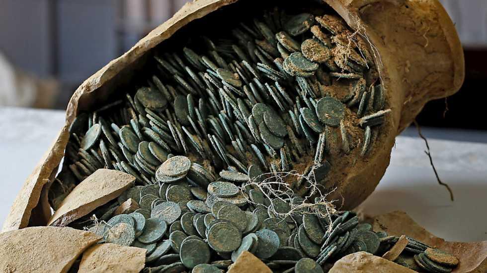 Kho báu đồng xu khổng lồ tại công viên Tây Ban Nha