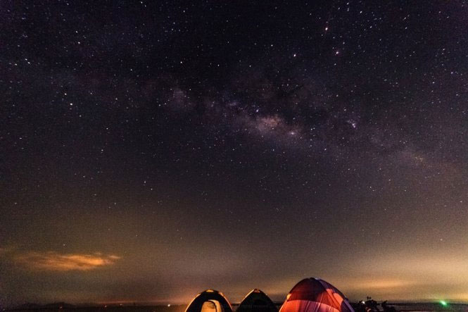 Milky Way ở hồ Trị An.