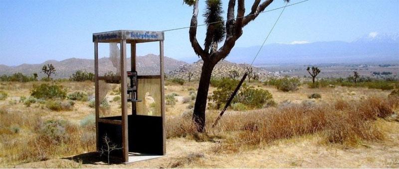Thực sự đã có một bốt điện thoại được xây dựng và đặt trong sa mạc khô cằn Mojave, California Mỹ vào năm 1960
