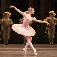 Vì sao những vũ công ballet không bị chóng mặt dù xoay liên tục tới 32 vòng?
