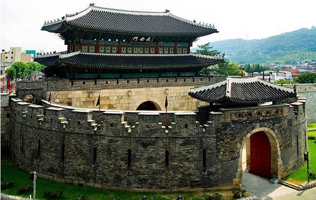Pháo đài được xây dựng ở độ cao 480 mét so với mặt nước biển