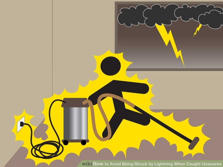 Khi trời giông sét sử dụng điện thoại cố định có dây sẽ rất nguy hiểm.