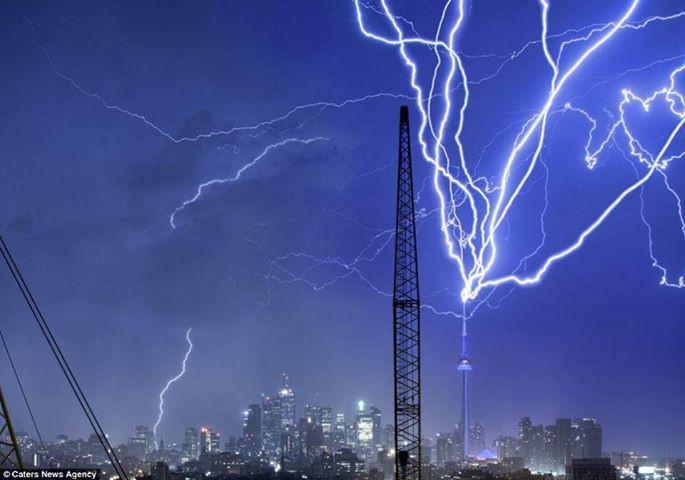 Giông bão có thể kèm theo hiện tượng sét đánh rất nguy hiểm